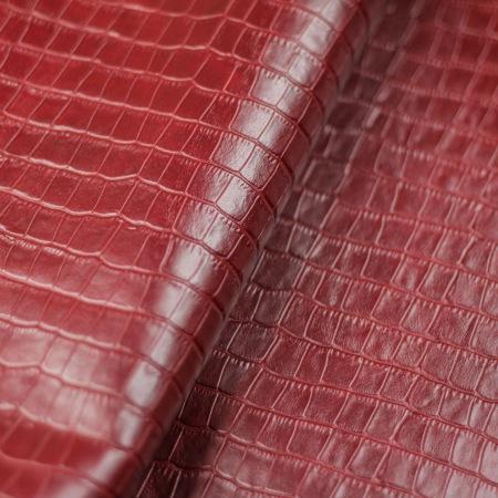 Кожа Крокодил (окна), красный