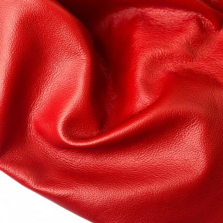 Кожа Зара, Красный